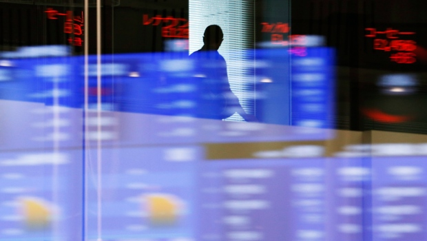 S&P/TSX composite rises to another record close, loonie and metals prices strengthen