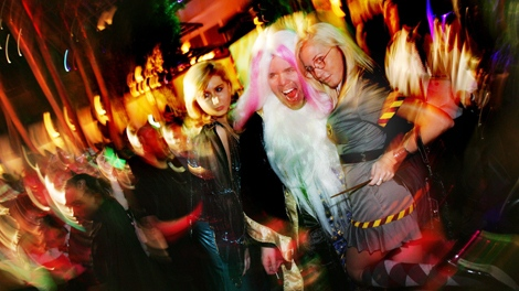 If you're going to a crowded party or out to a bar or big nightclub, at least one expert says you may want to go the more low-key route instead. (AP / Harrah's - Dima Gavrysh)