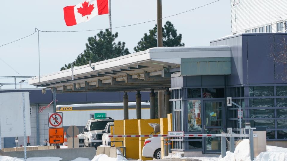 Canadian border crossing