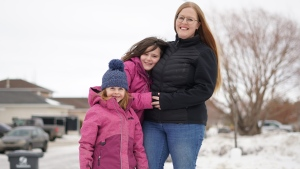 Alison Peters and her daughters. (Francois Biber/CTV Saskatoon)