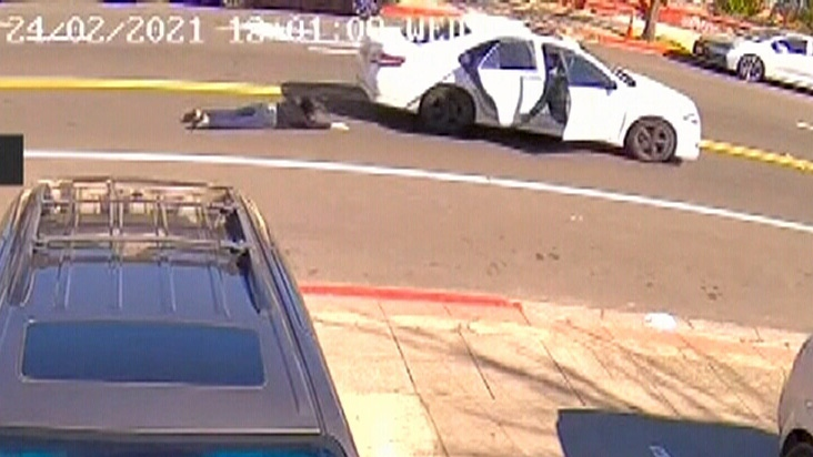 Woman dragged by car in Calif. purse snatching