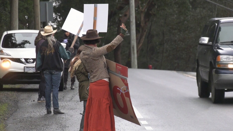 Protesters hold vehicle parade in Metchosin
