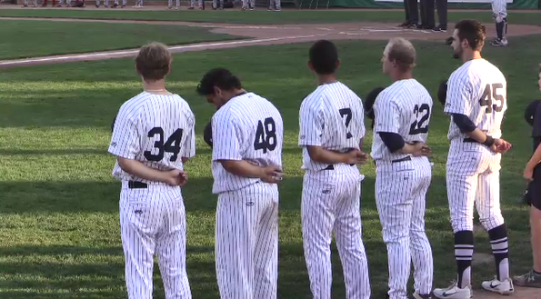 Majors players stand for anthem