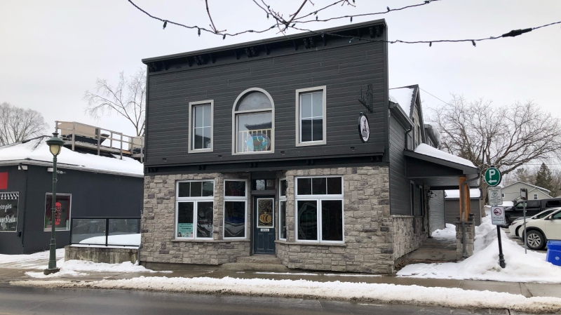 The Thirsty Moose Pub & Eatery in Carleton Place is closed as health officials investigate a COVID-19 outbreak. (Dave Charbonneau/CTV News Ottawa)