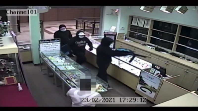 Three people robbed a jewelry store in southeast Edmonton late last month. March 4, 2021. (EPS)