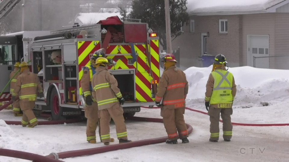Timmins firefighters battle blaze at Dunn Ave home. March 5/21 (Lydia Chubak/CTV Northern Ontario)