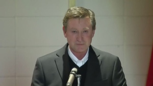 Wayne Gretzky shares memories of his late father