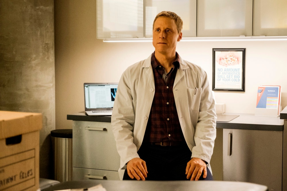 This image released by SYFY shows Alan Tudyk as Harry Vanderspeigle in the new series