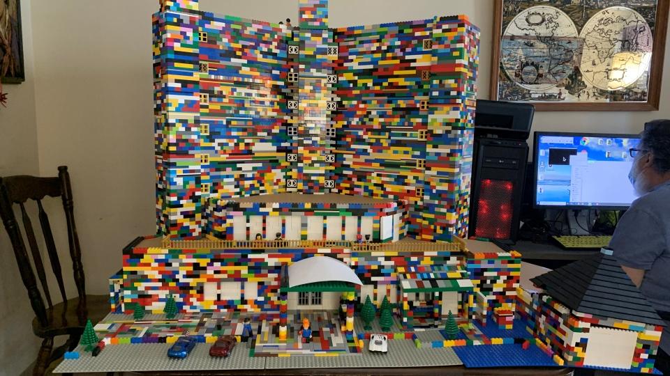 Lions Manor Lego replica