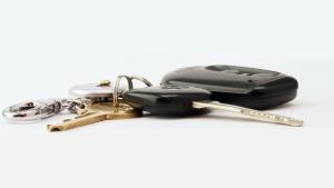 Car keys are seen in this stock photo. (Brett Jordan/Pexels.com)