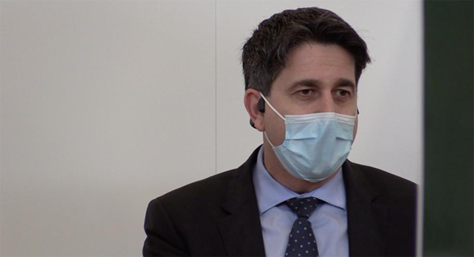 Dr. Ian Arra