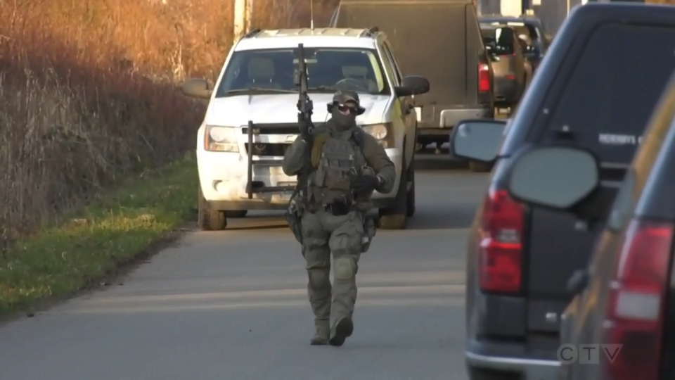 Police standoff north of Courtenay