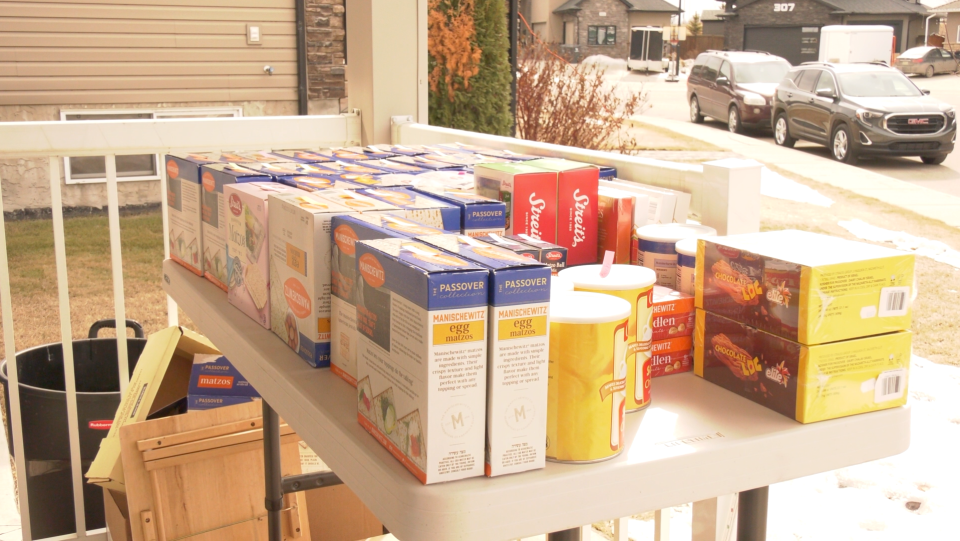 Jewish communities in Toronto, Vancouver, Calgary and Regina are lending a helping hand by shipping food for Passover to Saskatoon (Miriam Valdes-Carletti/CTV News Saskatoon)