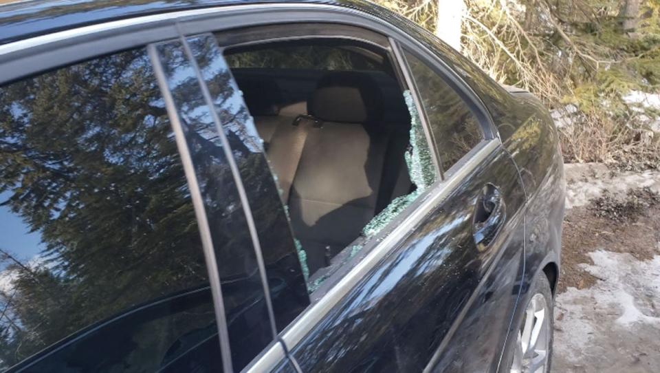 calgary, alberta, wapta falls, parking lot, smash-