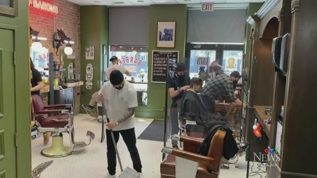 Ottawa residents, businesses brace for 28 day shutdown  image