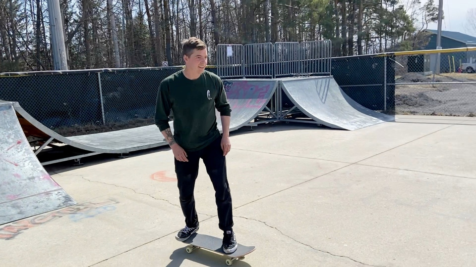 Luke Sheldrick, president of the Arnprior Skateboard Association, is petitioning the town for a new, modern skate park. (Dylan Dyson / CTV News Ottawa)