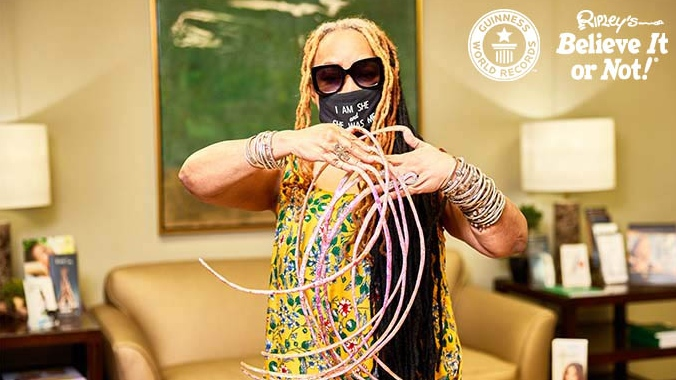 World record holder for longest finger nails