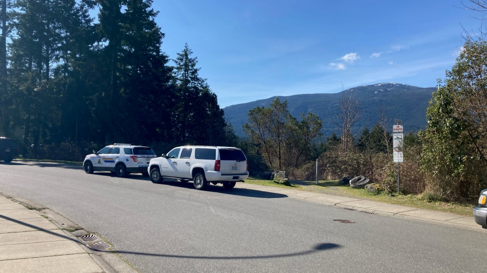 RCMP vehicles are pictured along Tamara Drive, Nanaimo: April 8, 2021 (CTV News)