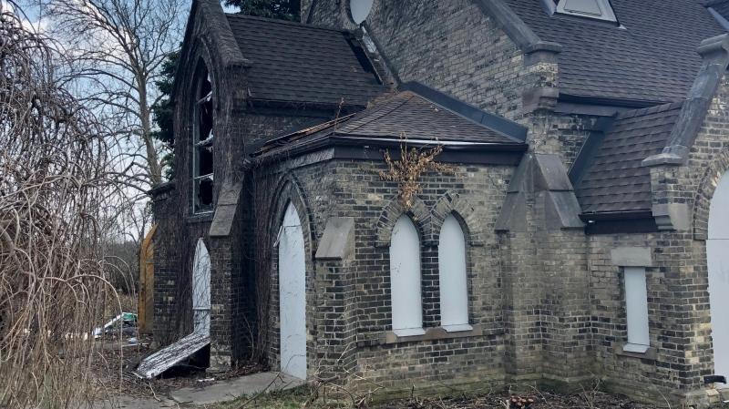 A suspicious fire at the former Chapel of Hope in London, Ont. is under investigation Thursday, April 8, 2021. (Jim Knight / CTV News)