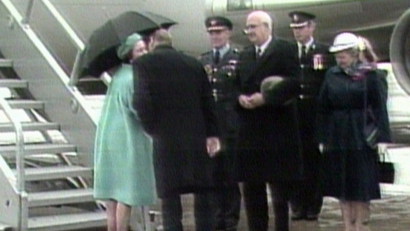 Rare royal kiss shared in Canada