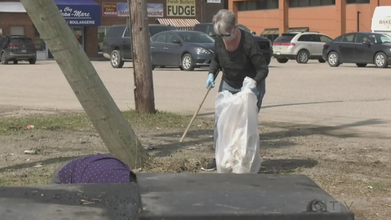 Volunteers pick up litter in West Nipissing and say it is a big problem. April 10/21 (Eric Taschner/CTV Northern Ontario)