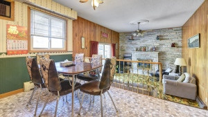 A 1971 Barrie, Ont. home on Letitia Street boasts most of the original interior finishings. (Matthew Philip Kindou with the Sutton Group Incentive Realty)