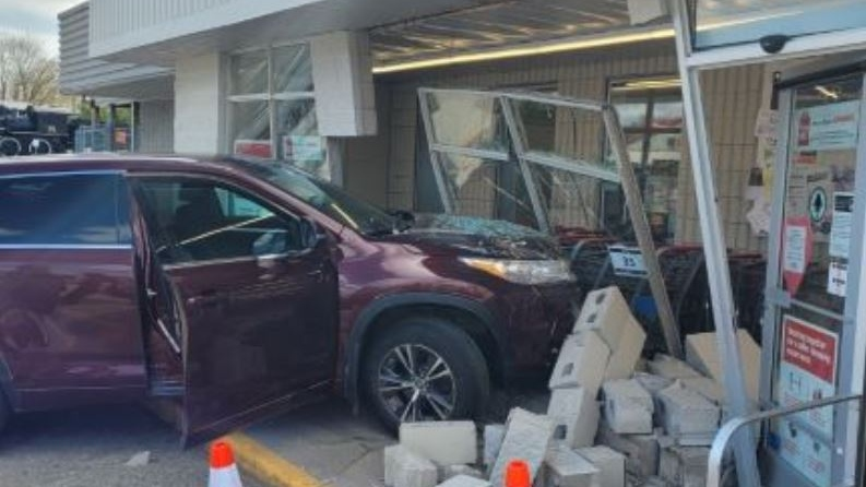 A driver slammed into the Palmerston, Ont. Foodland grocery store on April 14, 2021. (OPP)