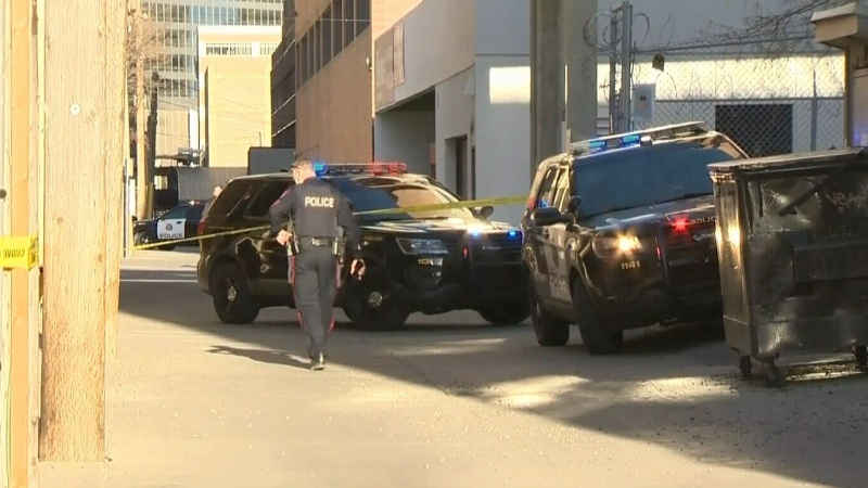 Man dies following stabbing downtown