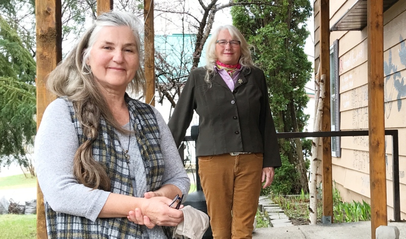 Patti Lessard (left) and Beverly Bell are seen outside the Mattawa Women's Resource centre on Friday. (Alana Everson/CTV News)