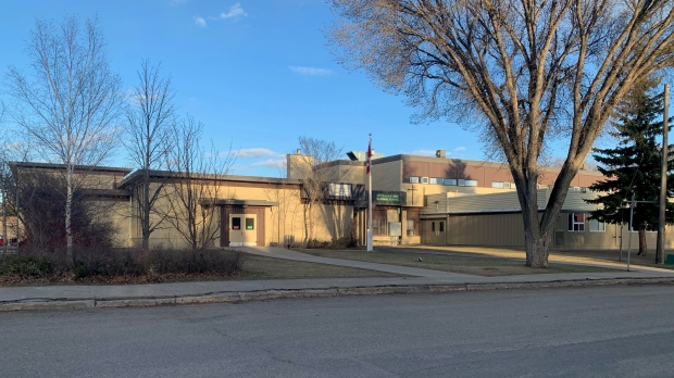 St. Frances Cree Bilingual School moves online following possible COVID-19 variant case.