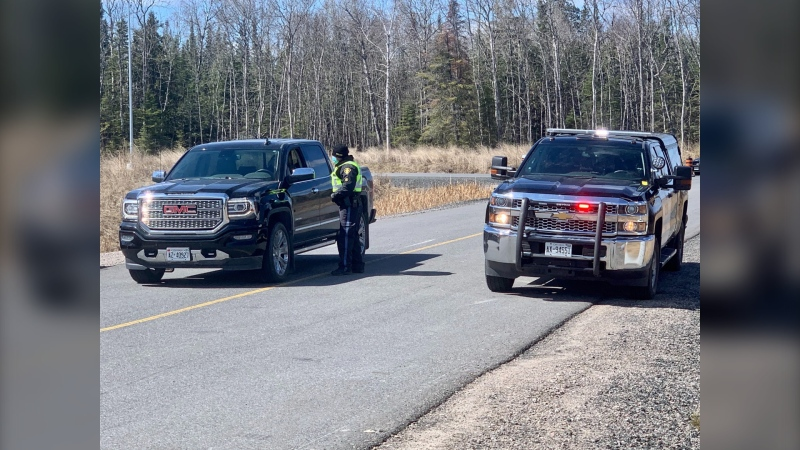 A border checkpoint is set up on the Manitoba-Ontario border on April 19, 2021 (CTV News Photo Scott Andersson)