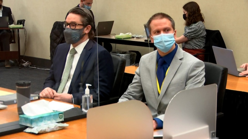 Defense attorney Eric Nelson and defendant Derek Chauvin are seen during closing arguments on April 19. (Pool/CNN)