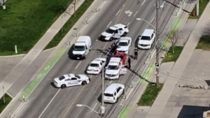 London, Ont. police surround an alleged impaired driver on April 18, 2021. (@Karen84024562/Twitter)