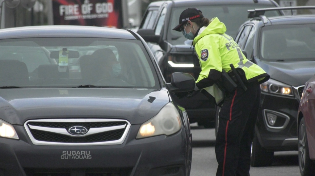 Ottawa Police at inter-provincial border crossing