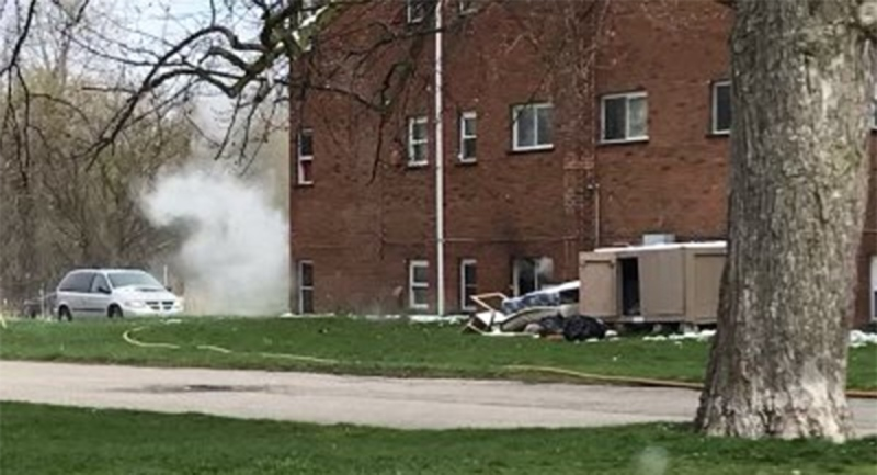 Smoke billows from an apartment fire on King Edward Avenue in London, Ont. on Wednesday, April 21, 2021. (Source: London Fire Department / Twitter)