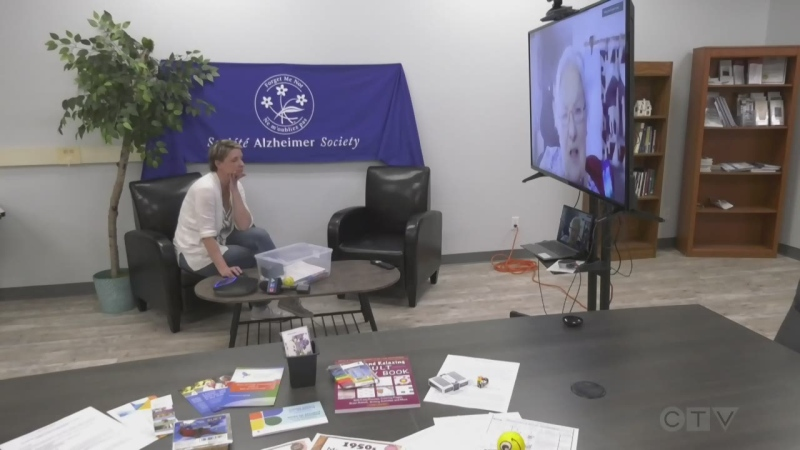Timmins Alzheimer Society gives out activity kits