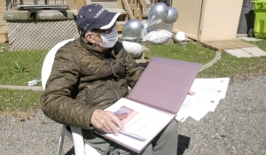 Harold Soderlund has received hundreds of birthday wishes and cards in the days leading up to his 100th birthday. (Christian D'Avino/CTV News)
