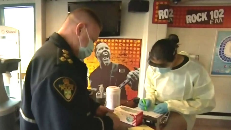Saskatoon police get COVID-19 vaccine