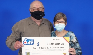 Larry and Donna Porter of Iroquois Falls won $1 million in the March 17 Lotto 6/49 draw. (Supplied)