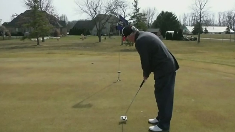 Calls to reopen golf courses