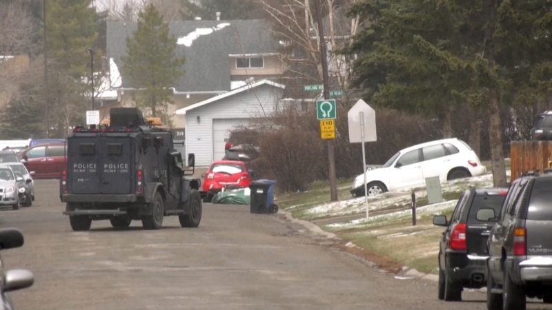 Pineridge standoff northeast Calgary police