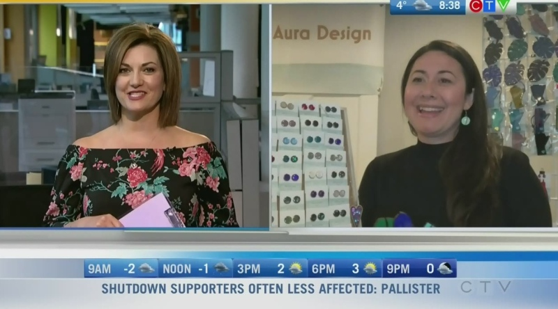 Michelle Fournier owns 'Blue Aura Design' and makes beautiful pieces of jewelry. Rachel Lagacé explains.