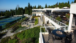 The outside of Hollyburn Country Club, located in West Vancouver, B.C. (Facebook/Hollyburn Country Club)