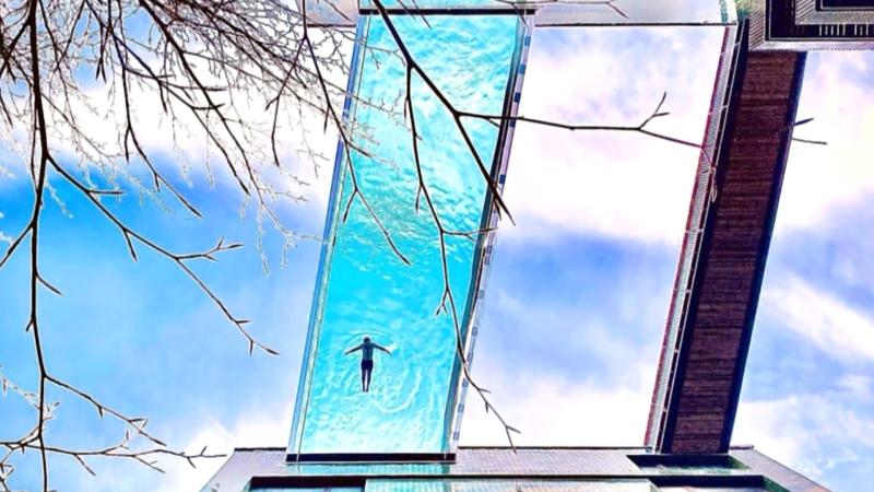 'Sky Pool' suspended between apartment buildings