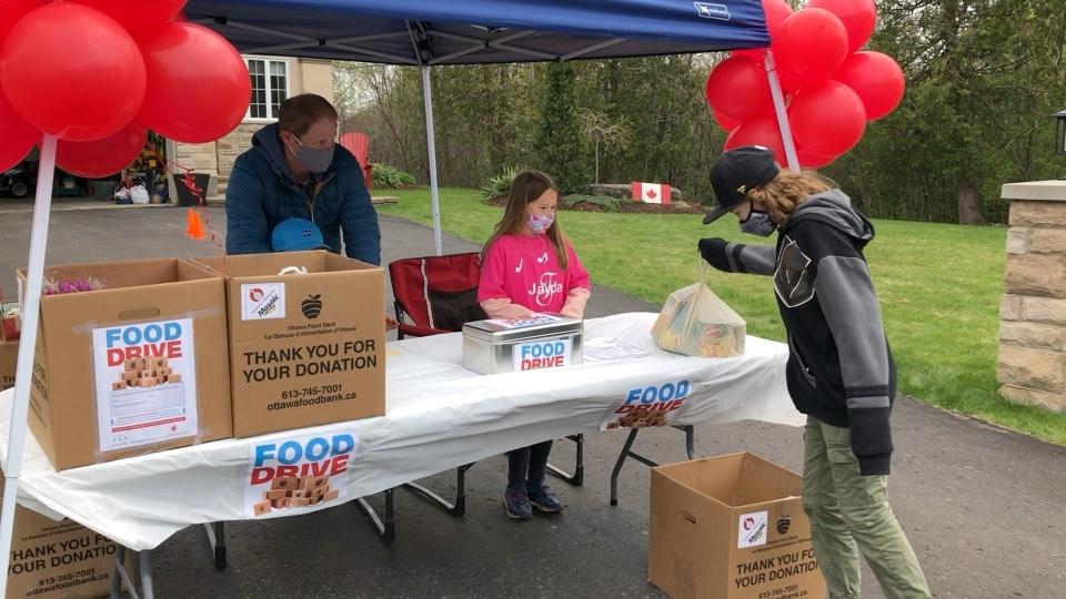 Jayna food drive donation