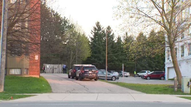 Report of barricaded man draws police presence