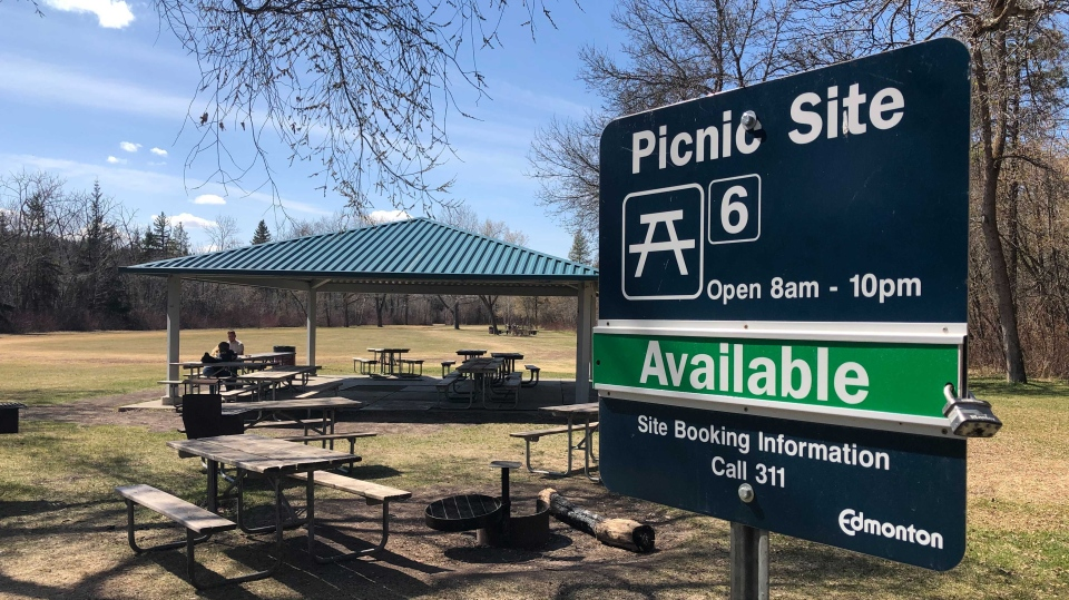 Victoria Park, drinking, alcohol, picnic, Edmonton