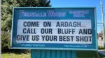 Ferndale Woods Elementary School in Barrie gets in on the sign wars battle of words. (SUPPLIED)