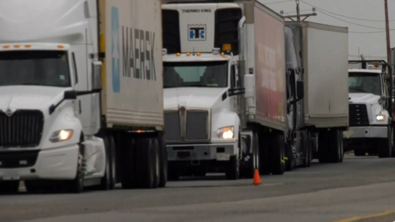 Alberta truckers to receive vaccines in U.S.