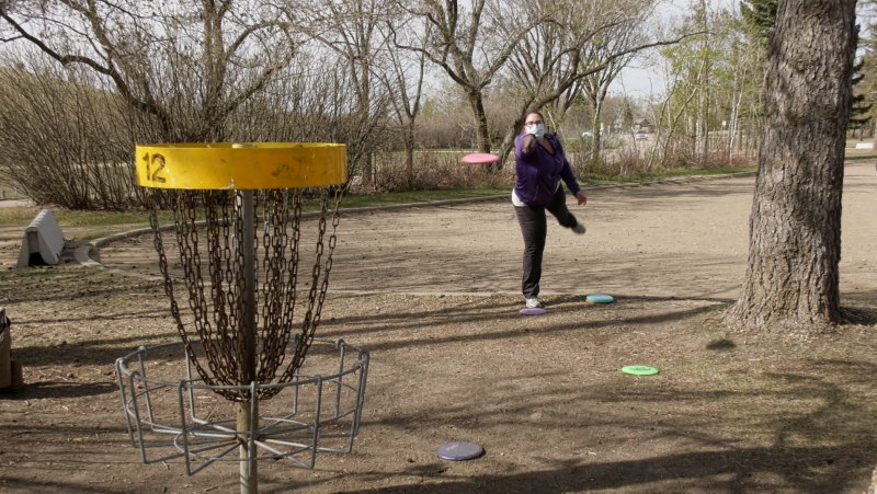 Women and girls gathered in Saskatoon's Diefenbaker Park to play disc golf as part of the Women's Global Event (Tyler Barrow/CTV Saskatoon)